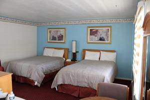 Two Double Beds Picture 2